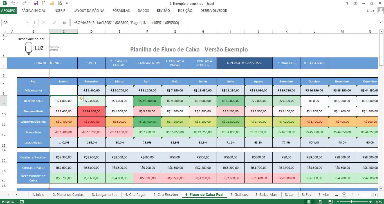 tabela de fluxo de caixa real usando a fórmula somase do excel