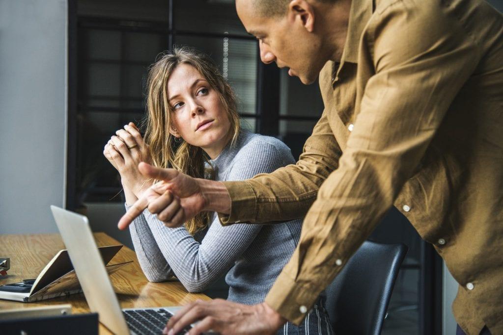 Como conduzir uma reunião de consultoria?
