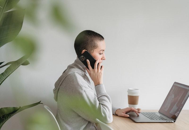 renda extra como assistente virtual